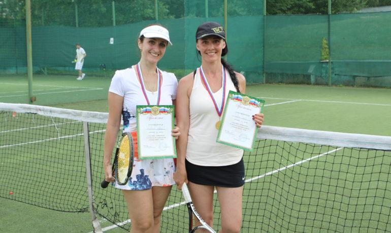Поздравляем. Марина Арустамова - Лосинка-Теннис клуб